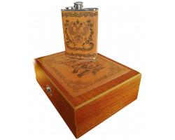 Мужской набор с флягой в деревянном футляре