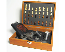 Подарочный набор: шахматы, фляга, стопки, нож-штопор