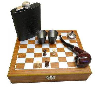 Подарочный шахматный набор с флягой и аксессуарами