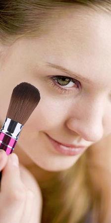 Выдвижная кисть для румян и макияжа